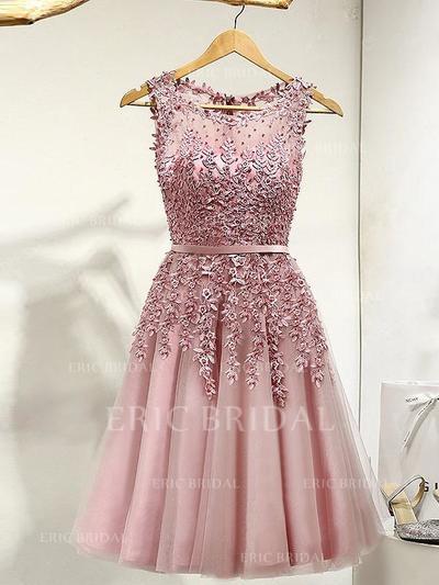 Forme Princesse Tulle Robes de bal Dentelle Brodé Col rond Sans manches Longueur genou (018148251)
