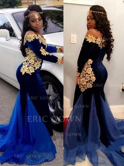 Trumpet/Mermaid Off-the-Shoulder Sweep Train Prom Dresses With Appliques Lace (018218649)