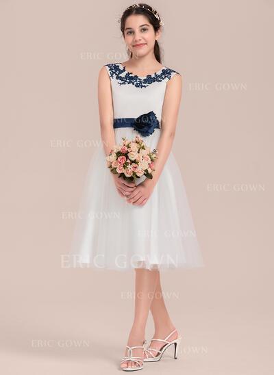 A-Line/Princess Knee-length Flower Girl Dress - Satin/Tulle Sleeveless Scoop Neck With Flower(s) (010144531)