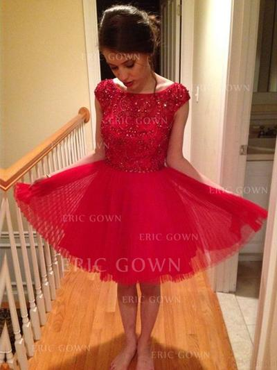 A-Line/Princess Scoop Neck Knee-Length Tulle Cocktail Dresses With Beading Sequins (016145305)