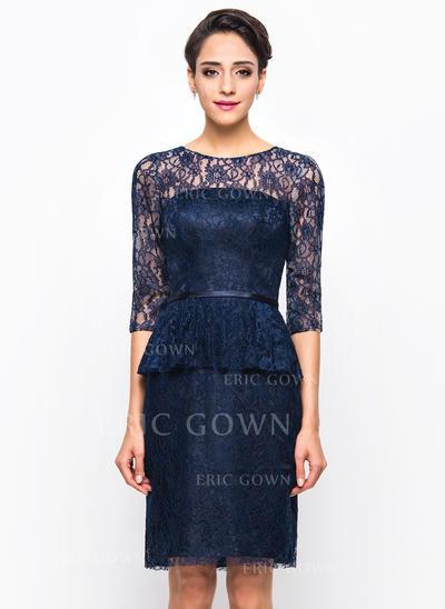 Sheath/Column Scoop Neck Knee-Length Lace Cocktail Dress (016055913)