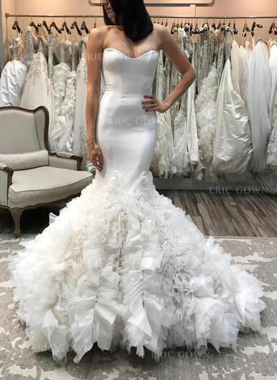 Trumpet/Mermaid Sweetheart Court Train Wedding Dresses With Ruffle (002146945)