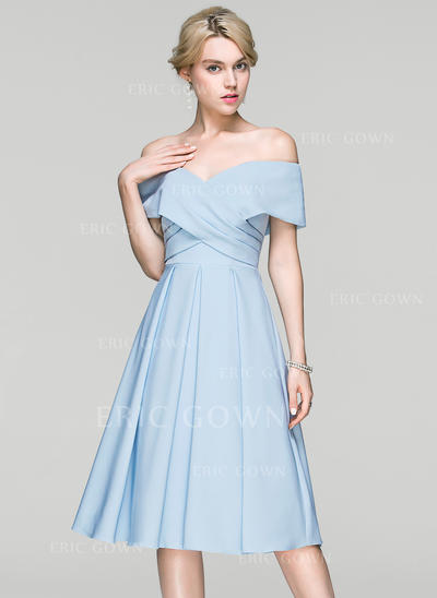 A-Line/Princess Off-the-Shoulder Knee-Length Satin Cocktail Dress With Ruffle (016094377)