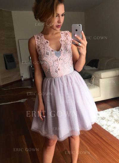 A-Line/Princess V-neck Short/Mini Cocktail Dresses With Lace (016212698)