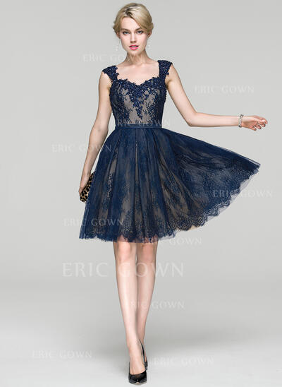 A-Line Sweetheart Knee-Length Lace Cocktail Dress With Beading Sequins (016094340)