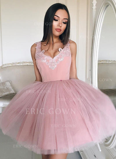 Ball-Gown V-neck Short/Mini Tulle Cocktail Dresses With Appliques Lace (016217689)