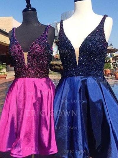A-Line/Princess V-neck Short/Mini Homecoming Dresses With Beading (022216312)