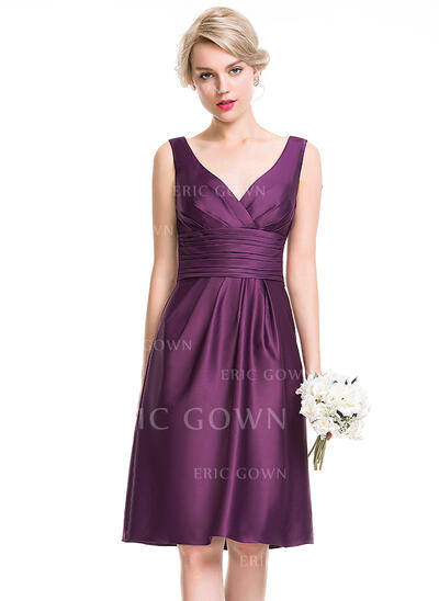 A-Line/Princess V-neck Knee-Length Satin Bridesmaid Dress With Ruffle (007089682)