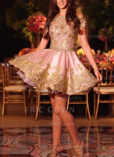 A-Line/Princess Off-the-Shoulder Short/Mini Cocktail Dresses With Appliques Lace (016218419)
