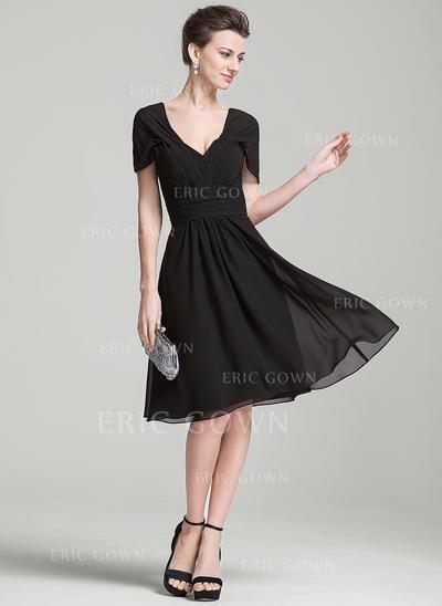 A-Line/Princess Chiffon Short Sleeves V-neck Knee-Length Zipper Up Mother of the Bride Dresses (008080179)