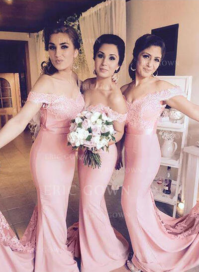 Trumpet/Mermaid Off-the-Shoulder Floor-Length Bridesmaid Dresses With Lace (007217954)