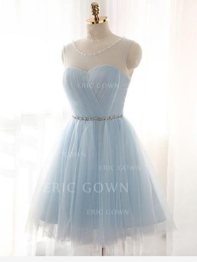 A-Line/Princess Scoop Neck Knee-Length Tulle Homecoming Dresses With Ruffle Sash Beading (022212385)