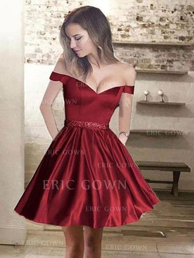 A-Line/Princess Off-the-Shoulder Short/Mini Satin Cocktail Dresses With Ruffle Beading (016217725)