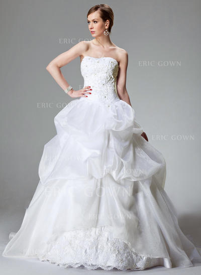 Ball-Gown Sweetheart Chapel Train Wedding Dresses With Lace Beading (002000423)