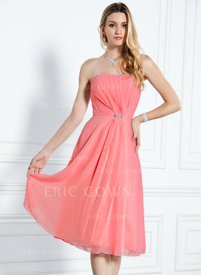 A-Line/Princess Chiffon Bridesmaid Dresses Ruffle Beading Strapless Sleeveless Knee-Length (007000916)