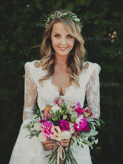 A-Line/Princess V-neck Sweep Train Wedding Dresses (002217840)