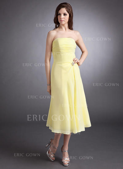 A-Line/Princess Chiffon Bridesmaid Dresses Ruffle Crystal Brooch Strapless Sleeveless Tea-Length (007001148)