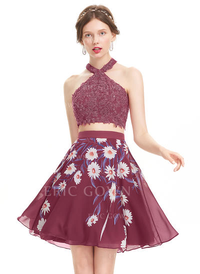 A-Line/Princess Scoop Neck Knee-Length Chiffon Homecoming Dresses With Sequins (022214142)