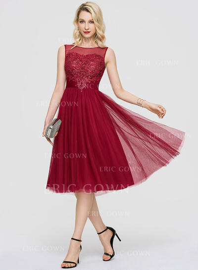 A-Line Scoop Neck Knee-Length Tulle Cocktail Dress With Sequins (016197113)