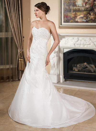 A-Line/Princess Sweetheart Chapel Train Wedding Dresses With Ruffle Lace Beading (002001358)