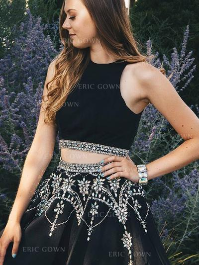 A-Line/Princess Scoop Neck Short/Mini Homecoming Dresses With Beading (022216240)