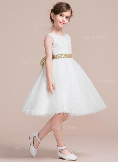 A-Line/Princess Knee-length Flower Girl Dress - Tulle/Lace Sleeveless Scoop Neck With Bow(s)/V Back (010106133)