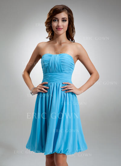 A-Line Sweetheart Knee-Length Chiffon Bridesmaid Dress With Ruffle (007004986)