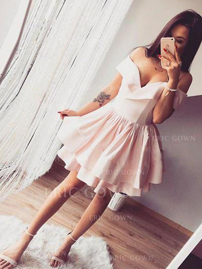A-Line/Princess Off-the-Shoulder Short/Mini Homecoming Dresses With Ruffle (022216247)