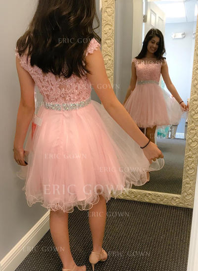 A-Line/Princess Scoop Neck Short/Mini Homecoming Dresses With Sash Beading Appliques Lace (022216285)