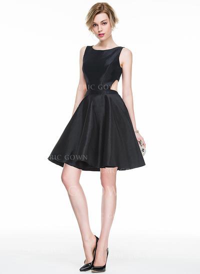 A-Line/Princess Scoop Neck Short/Mini Taffeta Cocktail Dress (016083844)
