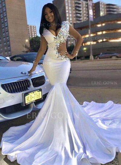 Trumpet/Mermaid V-neck Chapel Train Prom Dresses With Beading (018219375)