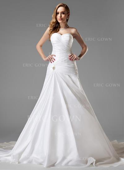 A-Line/Princess Sweetheart Chapel Train Wedding Dresses With Ruffle Crystal Brooch (002004225)