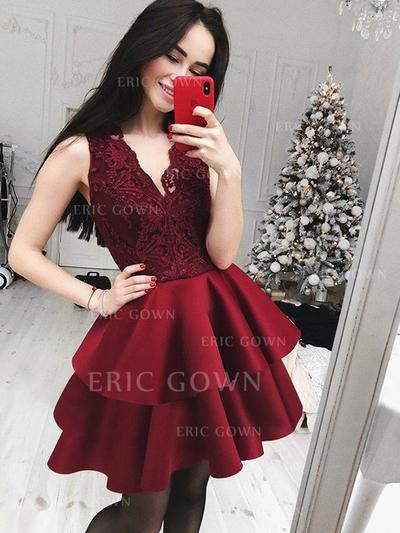 A-Line/Princess Short/Mini Satin Cocktail Dresses With Appliques Lace (016217714)