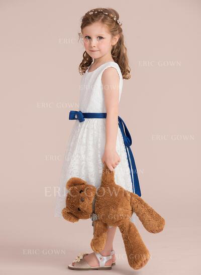A-Line/Princess Knee-length Flower Girl Dress - Charmeuse/Lace Sleeveless Scoop Neck With Sash/Beading/Bow(s) (Detachable sash) (010132390)