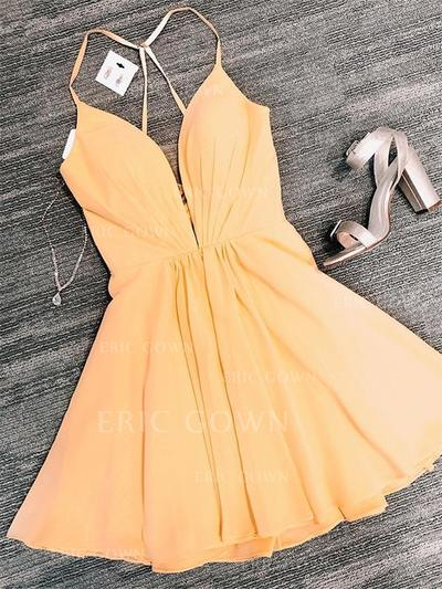 A-Line/Princess V-neck Short/Mini Homecoming Dresses With Ruffle (022219328)