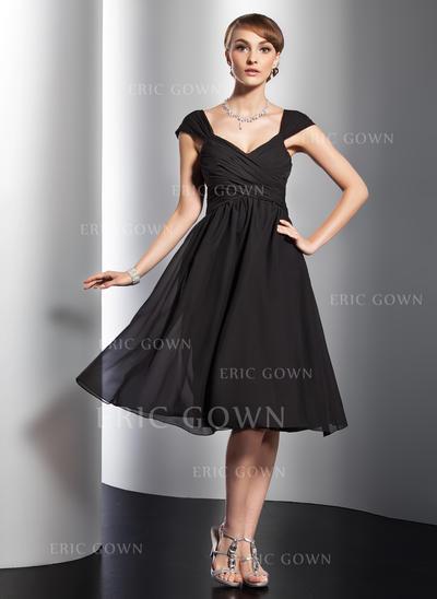 A-Line/Princess V-neck Knee-Length Chiffon Homecoming Dresses With Ruffle Bow(s) (022213994)