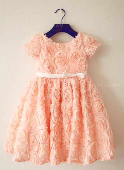 A-Line/Princess Scoop Neck Knee-length With Flower(s)/Bow(s) Lace Flower Girl Dresses (010212164)