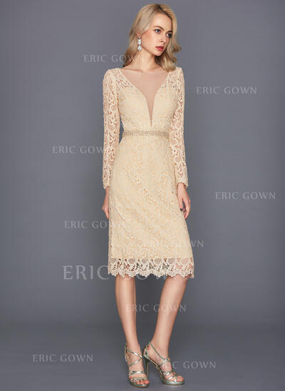 Sheath/Column Scoop Neck Knee-Length Lace Cocktail Dress With Beading Split Front (016108738)