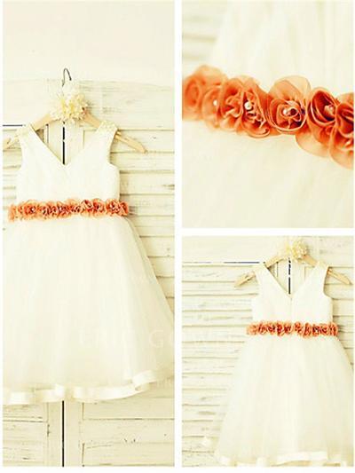 A-Line/Princess V-neck Knee-length With Flower(s) Satin/Tulle Flower Girl Dresses (010211990)
