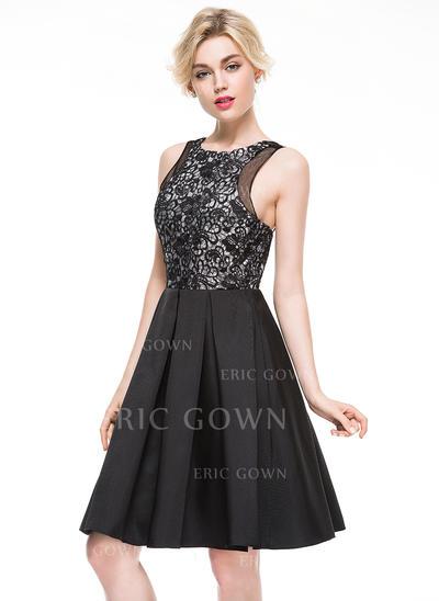 A-Line/Princess Scoop Neck Knee-Length Cocktail Dress (016081168)