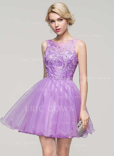 A-Line/Princess Scoop Neck Short/Mini Tulle Cocktail Dress With Beading Sequins (016110562)