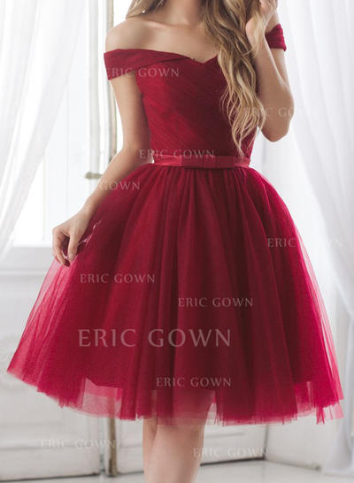 A-Line/Princess Off-the-Shoulder Knee-Length Cocktail Dresses With Ruffle Sash Bow(s) (016218385)