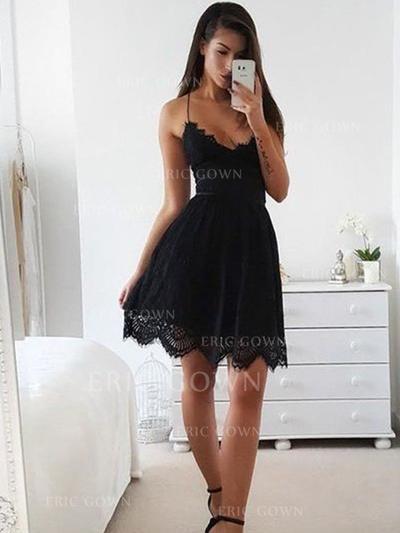 A-Line/Princess V-neck Short/Mini Lace Homecoming Dresses (022212464)