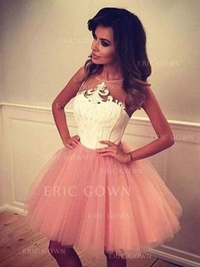 A-Line/Princess Scoop Neck Short/Mini Homecoming Dresses With Appliques Lace (022216300)