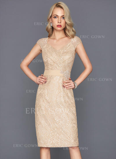 Sheath/Column V-neck Knee-Length Lace Cocktail Dress With Beading Sequins (016117265)