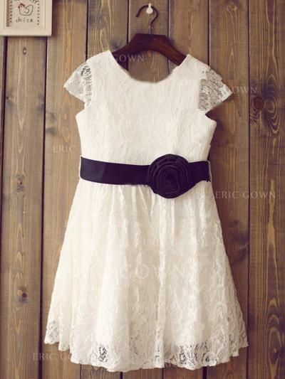 A-Line/Princess Scoop Neck Knee-length With Flower(s) Lace Flower Girl Dresses (010211940)