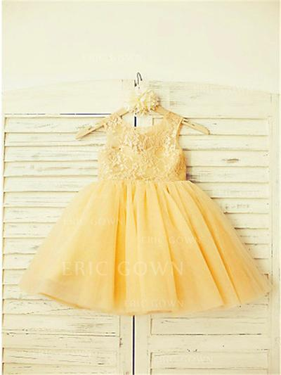 A-Line/Princess Scoop Neck Knee-length With Pleated Tulle/Lace Flower Girl Dresses (010211934)
