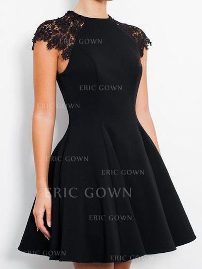 A-Line/Princess Scoop Neck Knee-Length Jersey Homecoming Dresses With Lace (022212381)
