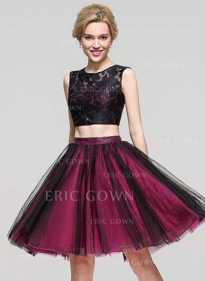 A-Line/Princess Scoop Neck Knee-Length Tulle Cocktail Dress (016110559)