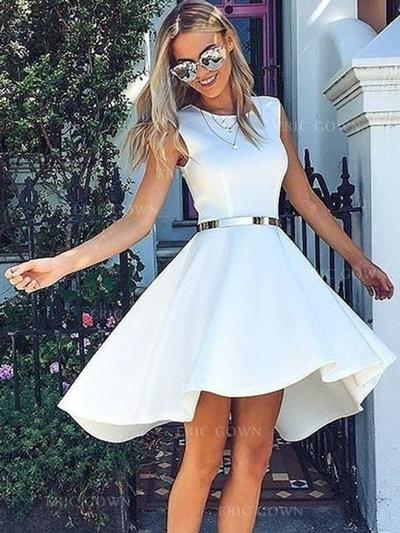 A-Line/Princess Scoop Neck Knee-Length Homecoming Dresses With Sash (022219409)